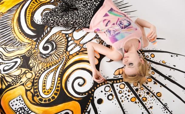 makingof 2013 ArtFashionStudio painting backdrop for shooting