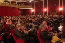 Warten auf den Eröffnungsfilm der 52. Hofer Filmtage im Scala Kino